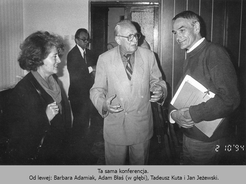 Ta sama konferencja. Od lewej: Barbara Adamiak, Adam Błaś (w głębi), Tadeusz Kuta i Jan Jeżewski.