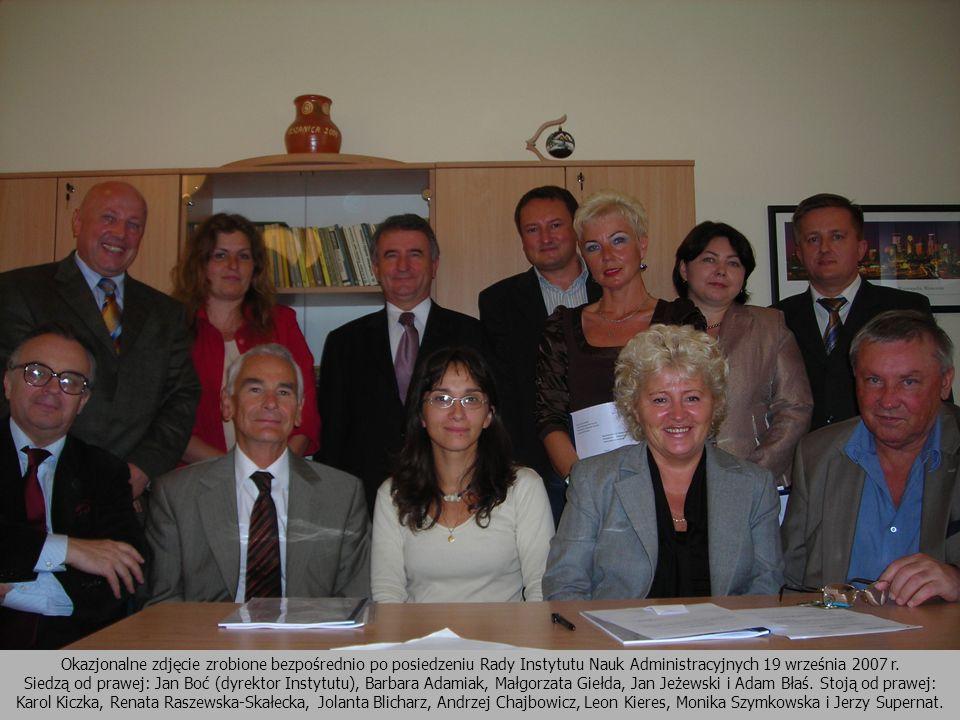 Okazjonalne zdjęcie zrobione bezpośrednio po posiedzeniu Rady Instytutu Nauk Administracyjnych 19 września 2007 r.