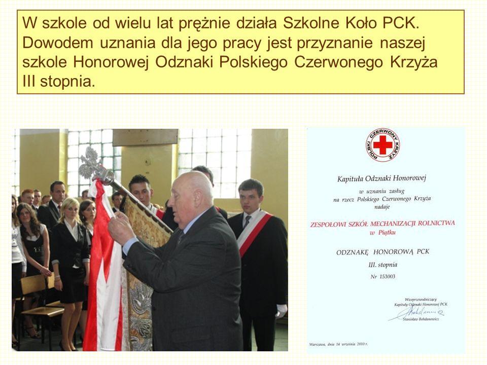 W szkole od wielu lat prężnie działa Szkolne Koło PCK.