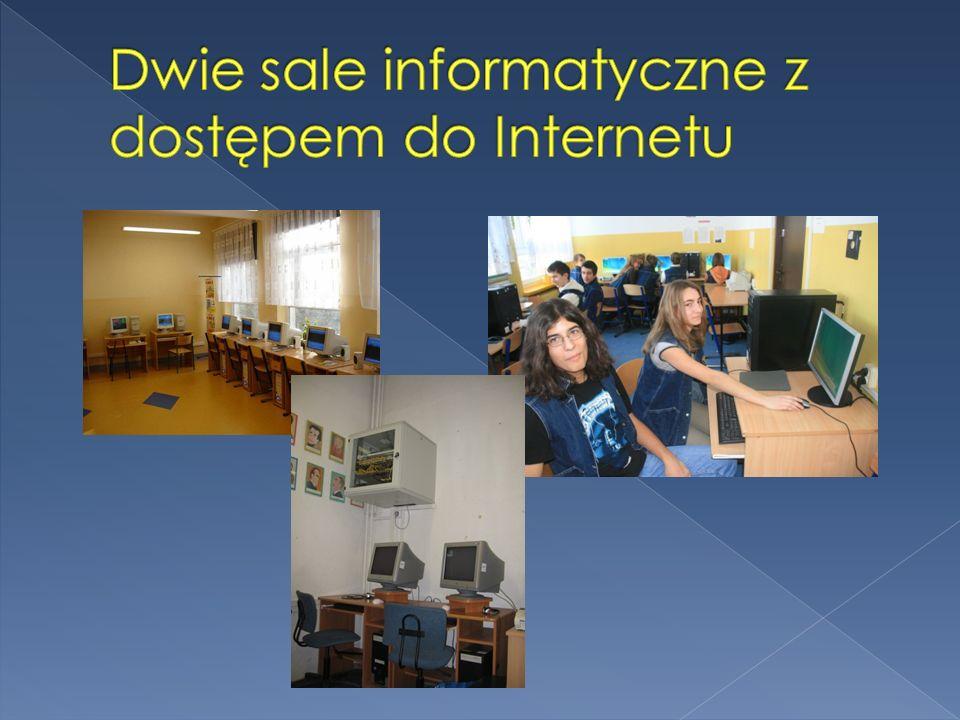 Dwie sale informatyczne z dostępem do Internetu