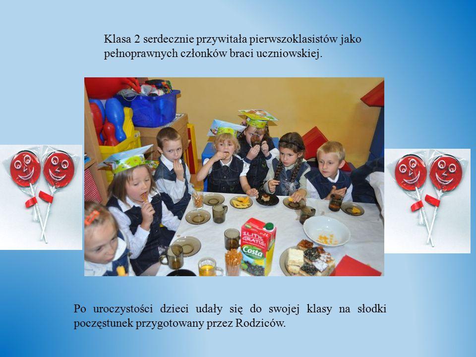 Klasa 2 serdecznie przywitała pierwszoklasistów jako pełnoprawnych członków braci uczniowskiej.