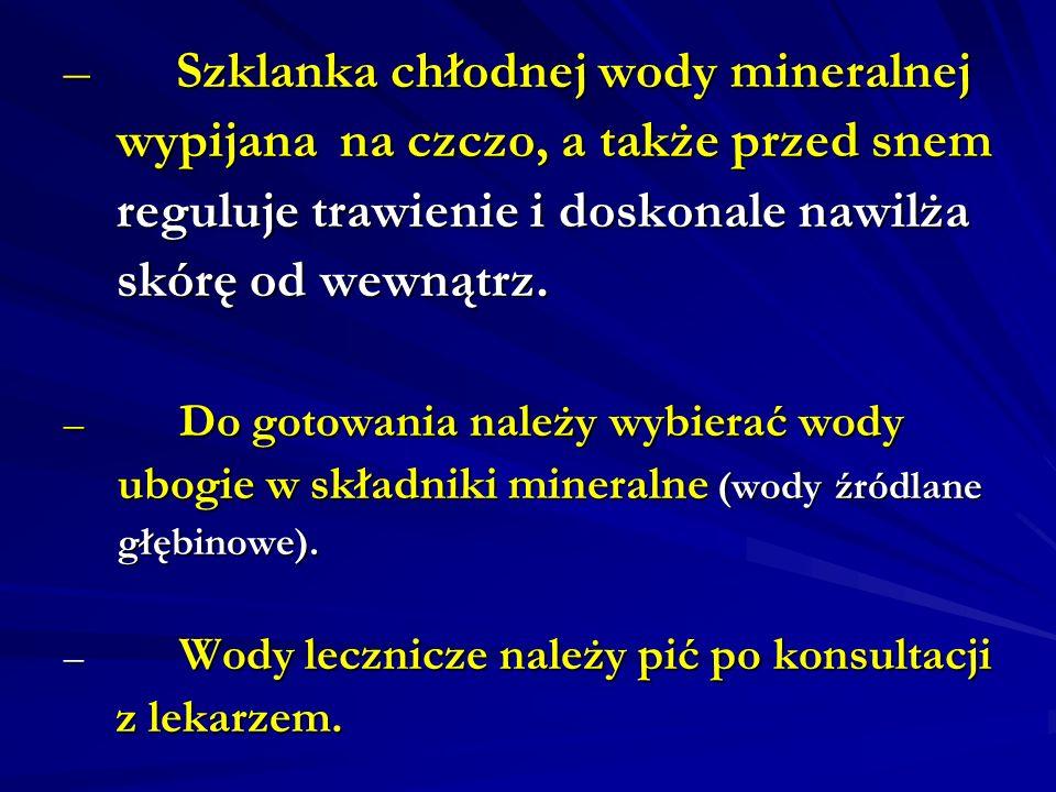 Szklanka chłodnej wody mineralnej