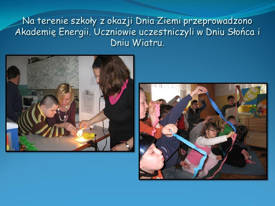 Na terenie szkoły z okazji Dnia Ziemi przeprowadzono Akademię Energii