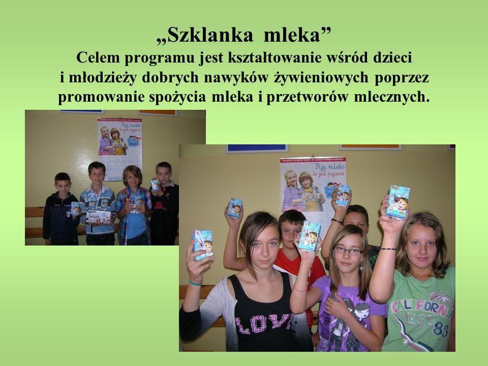 """""""Szklanka mleka Celem programu jest kształtowanie wśród dzieci i młodzieży dobrych nawyków żywieniowych poprzez promowanie spożycia mleka i przetworów mlecznych."""