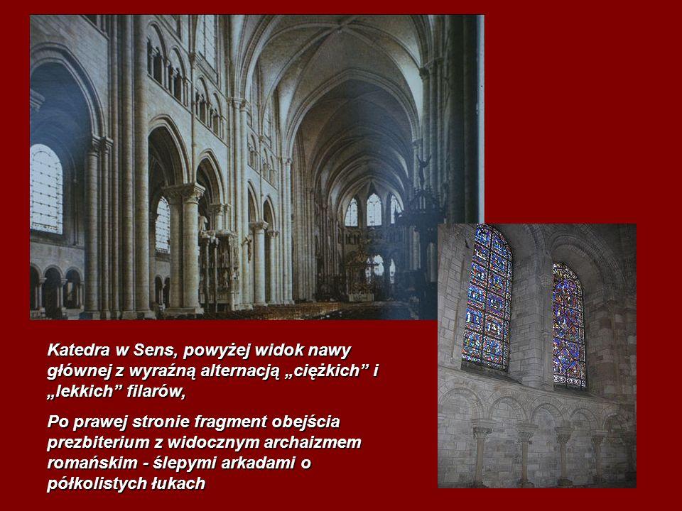"""Katedra w Sens, powyżej widok nawy głównej z wyraźną alternacją """"ciężkich i """"lekkich filarów,"""