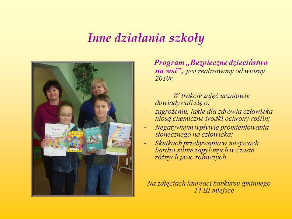 Na zdjęciach laureaci konkursu gminnego I i III miejsce
