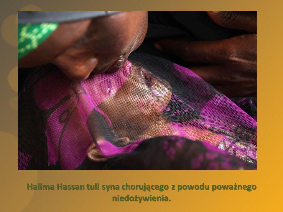 Halima Hassan tuli syna chorującego z powodu poważnego niedożywienia.