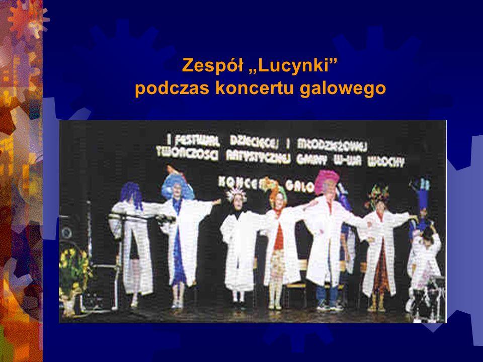 """Zespół """"Lucynki podczas koncertu galowego"""