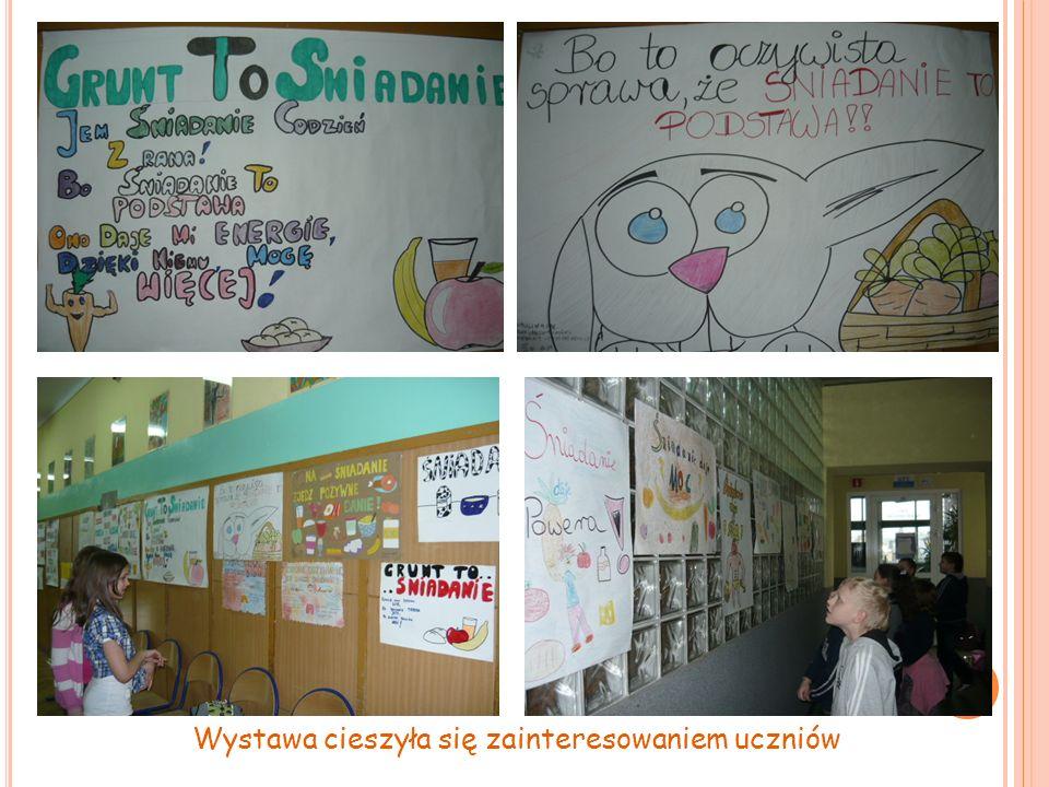 Wystawa cieszyła się zainteresowaniem uczniów