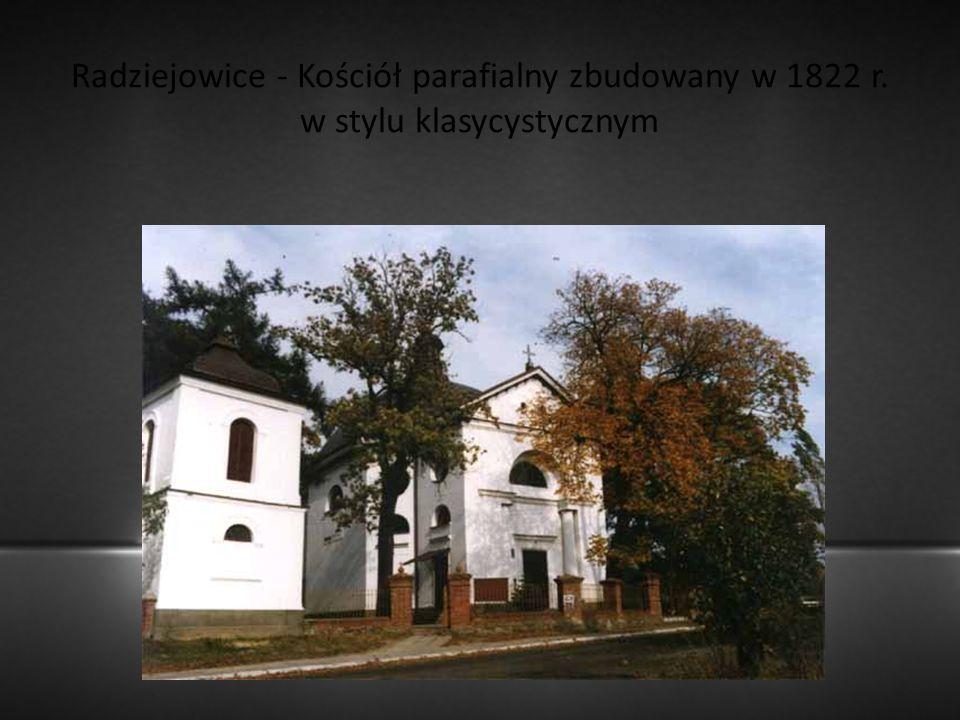 Radziejowice - Kościół parafialny zbudowany w 1822 r