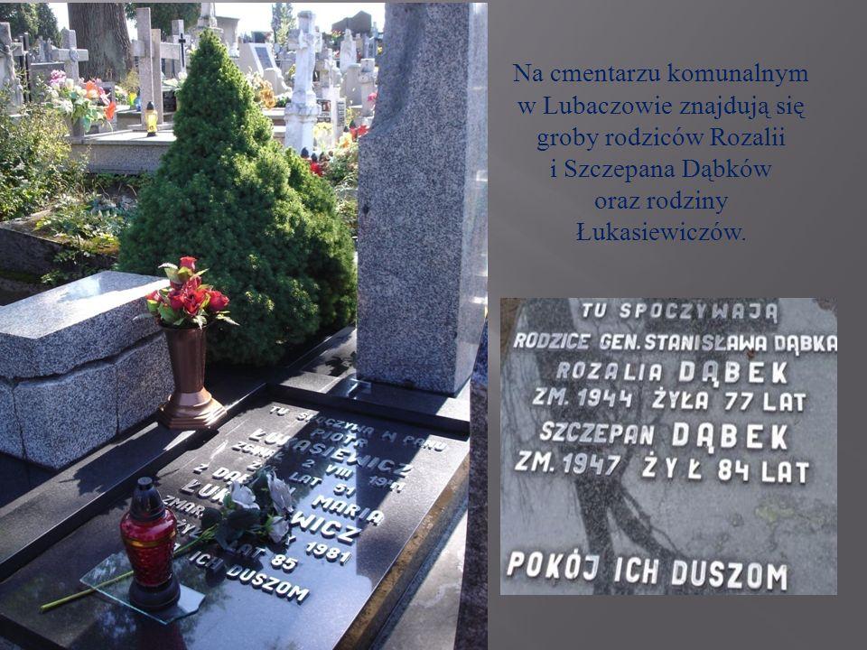 Na cmentarzu komunalnym w Lubaczowie znajdują się