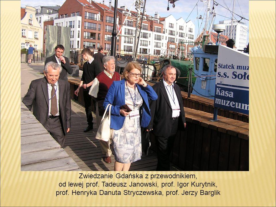 Zwiedzanie Gdańska z przewodnikiem, od lewej prof