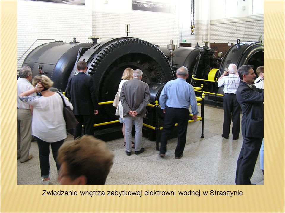 Zwiedzanie wnętrza zabytkowej elektrowni wodnej w Straszynie