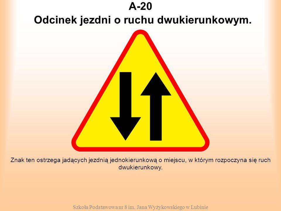 Odcinek jezdni o ruchu dwukierunkowym.