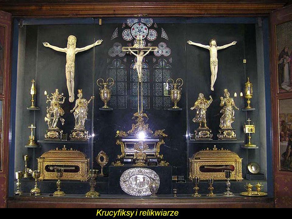 Krucyfiksy i relikwiarze
