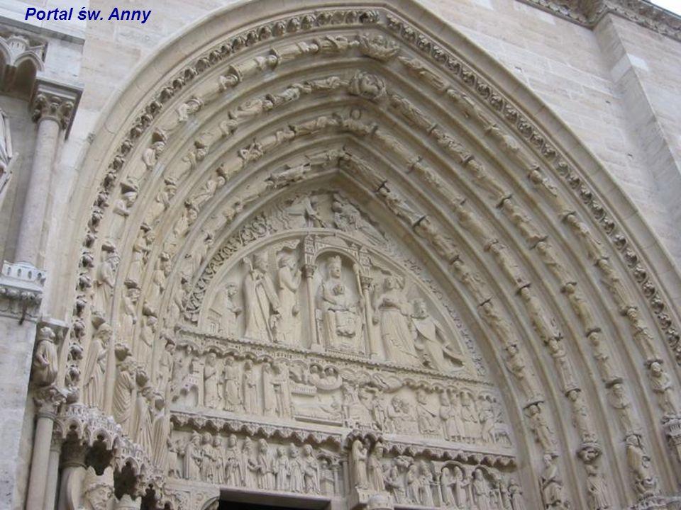 Portal św. Anny Posągi boczne portalu Św. Anny
