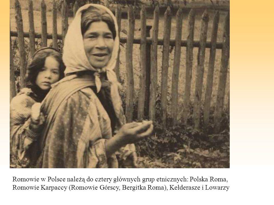 Romowie w Polsce należą do cztery głównych grup etnicznych: Polska Roma, Romowie Karpaccy (Romowie Górscy, Bergitka Roma), Kełderasze i Lowarzy