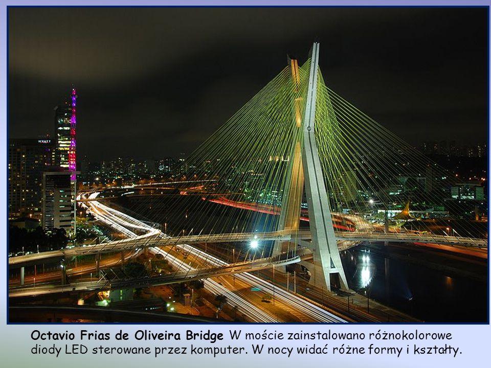 Octavio Frias de Oliveira Bridge W moście zainstalowano różnokolorowe