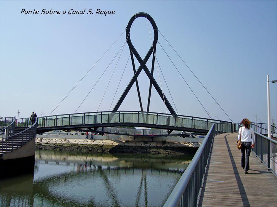 Ponte Sobre o Canal S. Roque