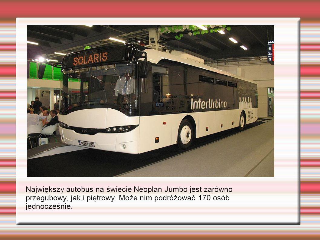 Największy autobus na świecie Neoplan Jumbo jest zarówno przegubowy, jak i piętrowy.
