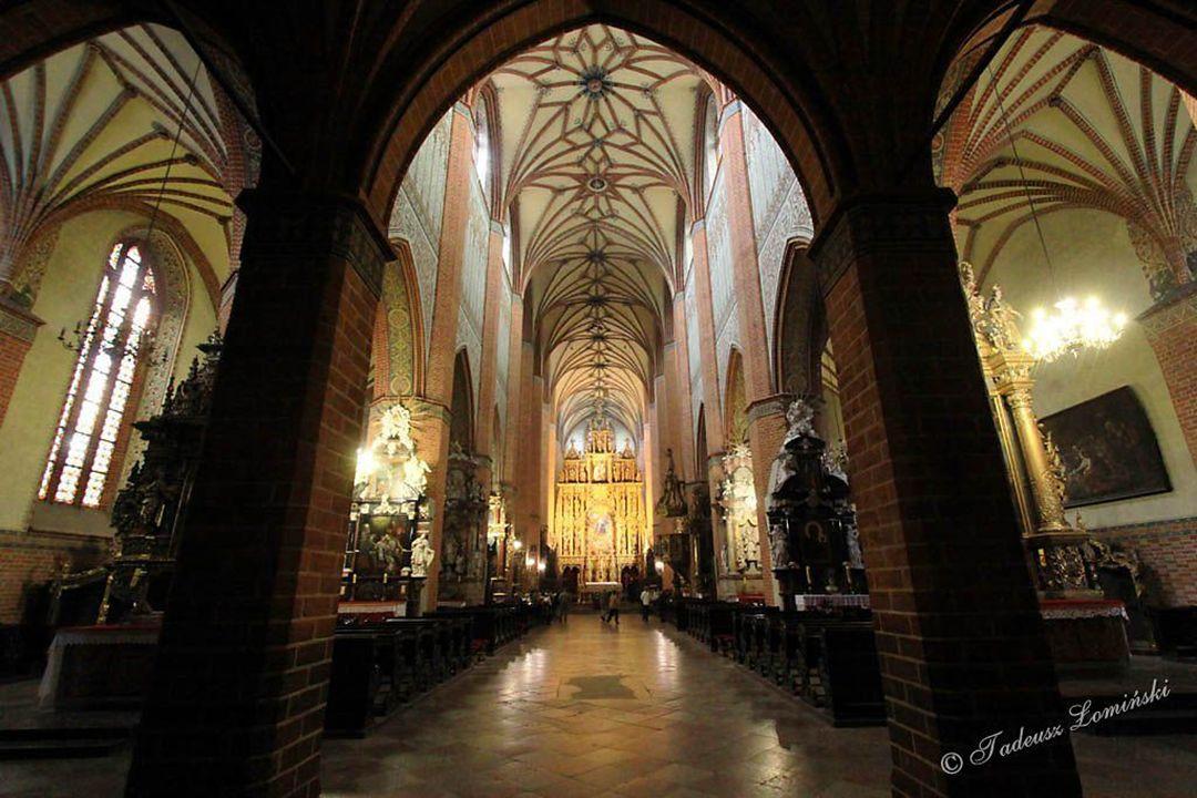 Ambit – obejście prezbiterium za ołtarzem głównym