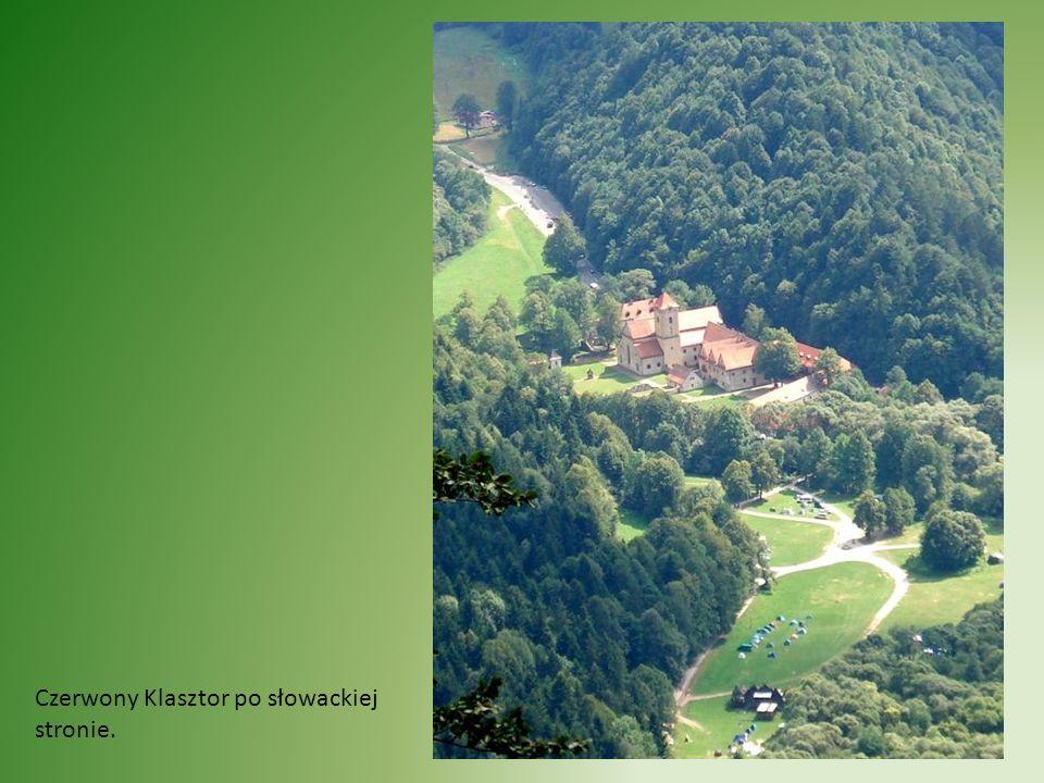 Czerwony Klasztor po słowackiej stronie.