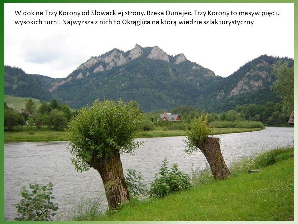 Widok na Trzy Korony od Słowackiej strony. Rzeka Dunajec