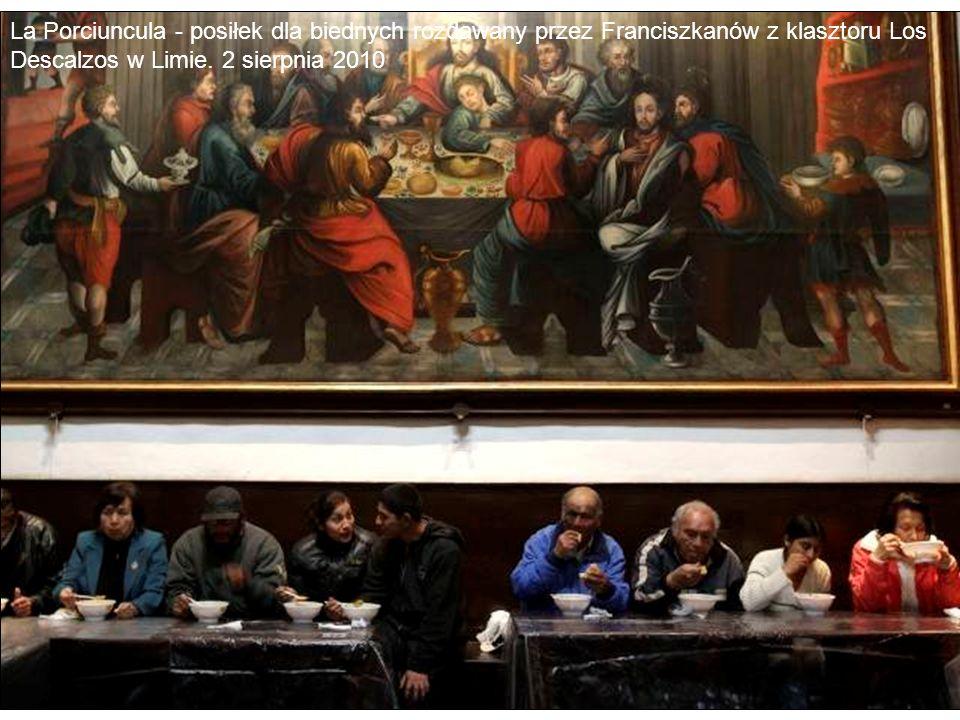 La Porciuncula - posiłek dla biednych rozdawany przez Franciszkanów z klasztoru Los Descalzos w Limie.