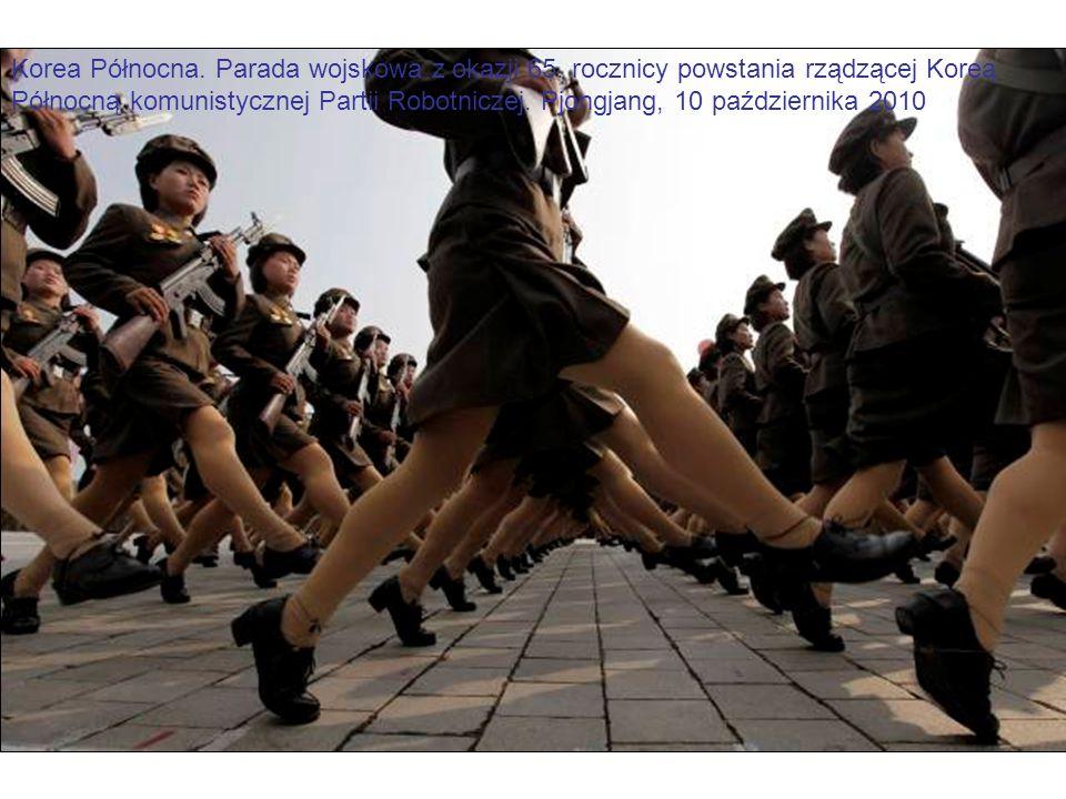 Korea Północna. Parada wojskowa z okazji 65