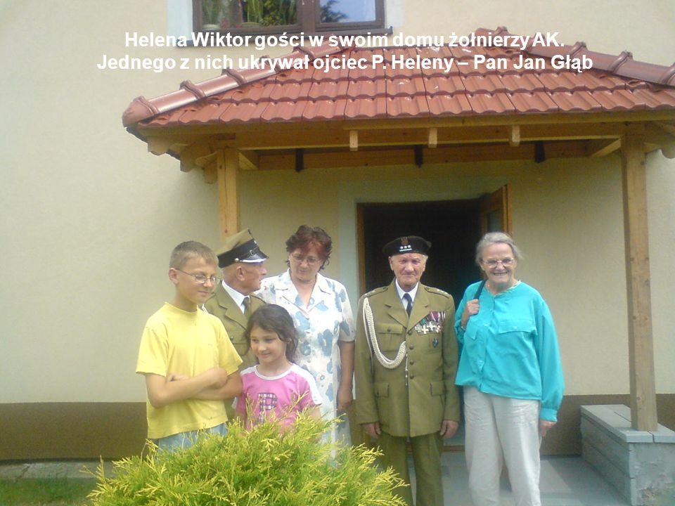 Helena Wiktor gości w swoim domu żołnierzy AK.