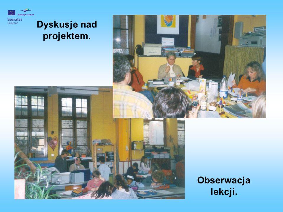 Dyskusje nad projektem.