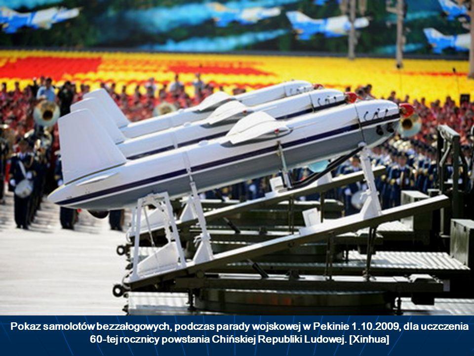 Pokaz samolotów bezzałogowych, podczas parady wojskowej w Pekinie 1.10.2009, dla uczczenia 60-tej rocznicy powstania Chińskiej Republiki Ludowej.