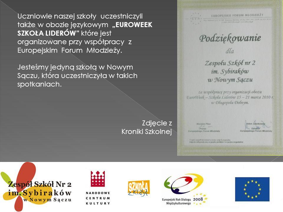 """Uczniowie naszej szkoły uczestniczyli także w obozie językowym """"EUROWEEK SZKOŁA LIDERÓW które jest organizowane przy współpracy z Europejskim Forum Młodzieży."""