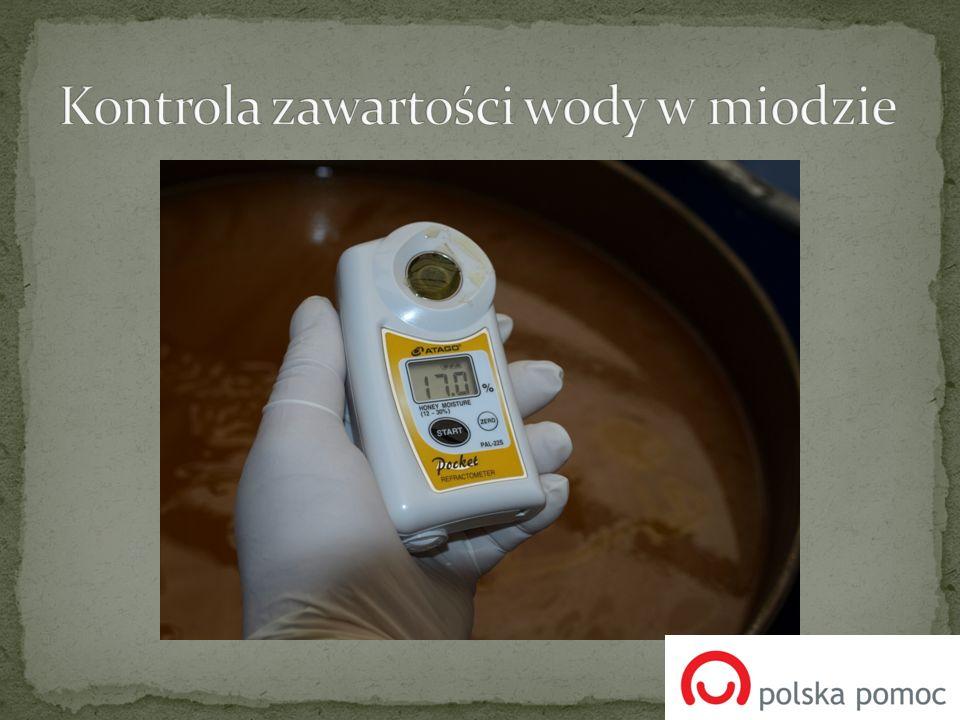 Kontrola zawartości wody w miodzie