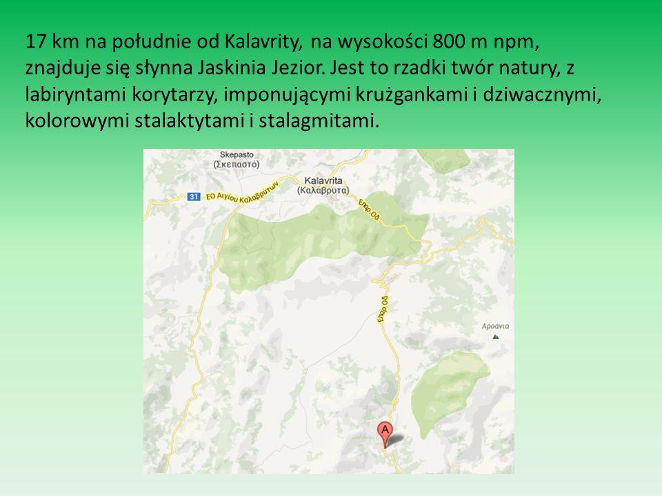 17 km na południe od Kalavrity, na wysokości 800 m npm, znajduje się słynna Jaskinia Jezior.