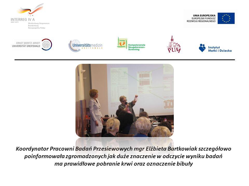 Koordynator Pracowni Badań Przesiewowych mgr Elżbieta Bartkowiak szczegółowo poinformowała zgromadzonych jak duże znaczenie w odczycie wyniku badań ma prawidłowe pobranie krwi oraz oznaczenie bibuły