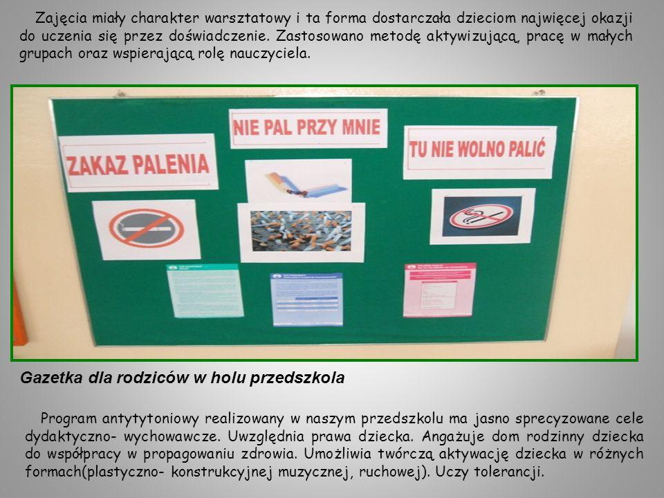 Gazetka dla rodziców w holu przedszkola