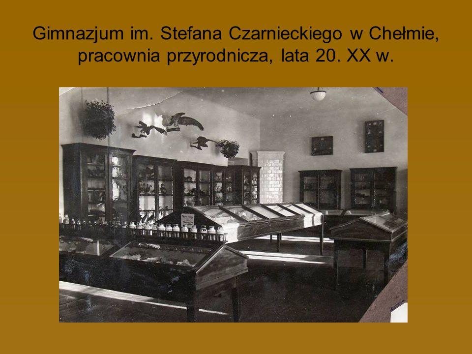 Gimnazjum im. Stefana Czarnieckiego w Chełmie, pracownia przyrodnicza, lata 20. XX w.