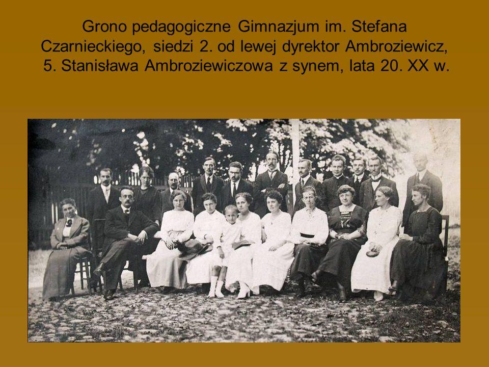 Grono pedagogiczne Gimnazjum im. Stefana Czarnieckiego, siedzi 2