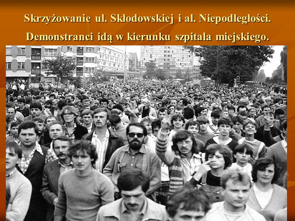 Skrzyżowanie ul. Skłodowskiej i al. Niepodległości