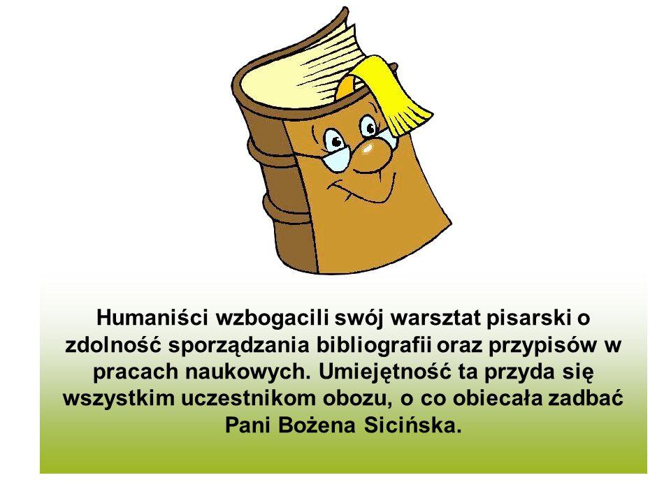 Humaniści wzbogacili swój warsztat pisarski o zdolność sporządzania bibliografii oraz przypisów w pracach naukowych.