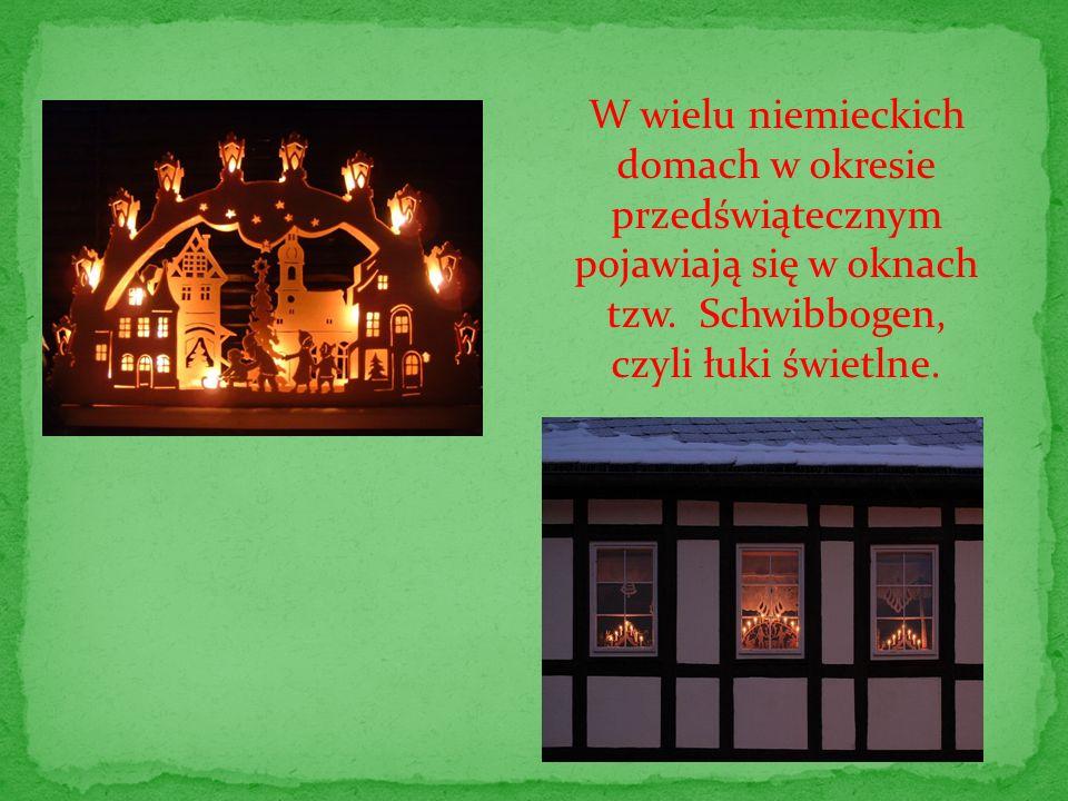 W wielu niemieckich domach w okresie przedświątecznym pojawiają się w oknach tzw. Schwibbogen,