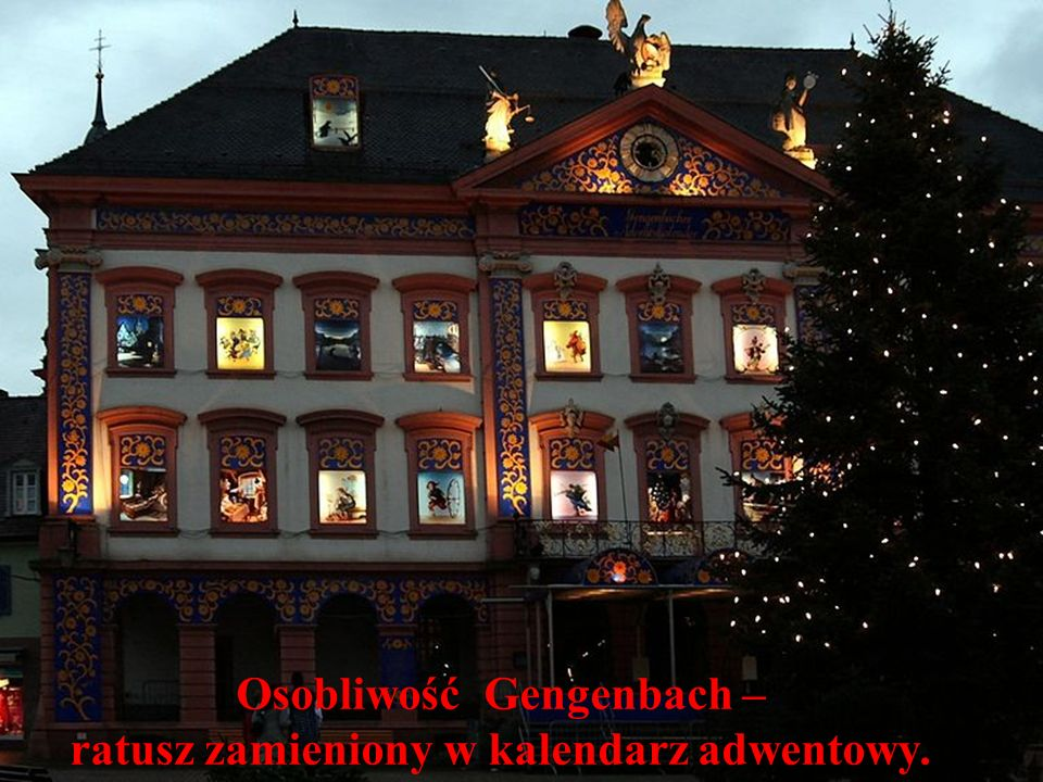 Osobliwość Gengenbach – ratusz zamieniony w kalendarz adwentowy.