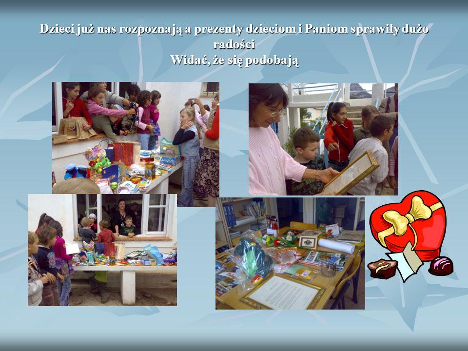Dzieci już nas rozpoznają a prezenty dzieciom i Paniom sprawiły dużo radości Widać, że się podobają