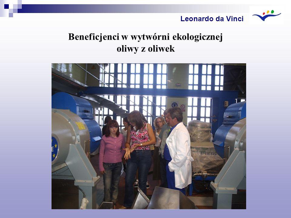 Beneficjenci w wytwórni ekologicznej oliwy z oliwek
