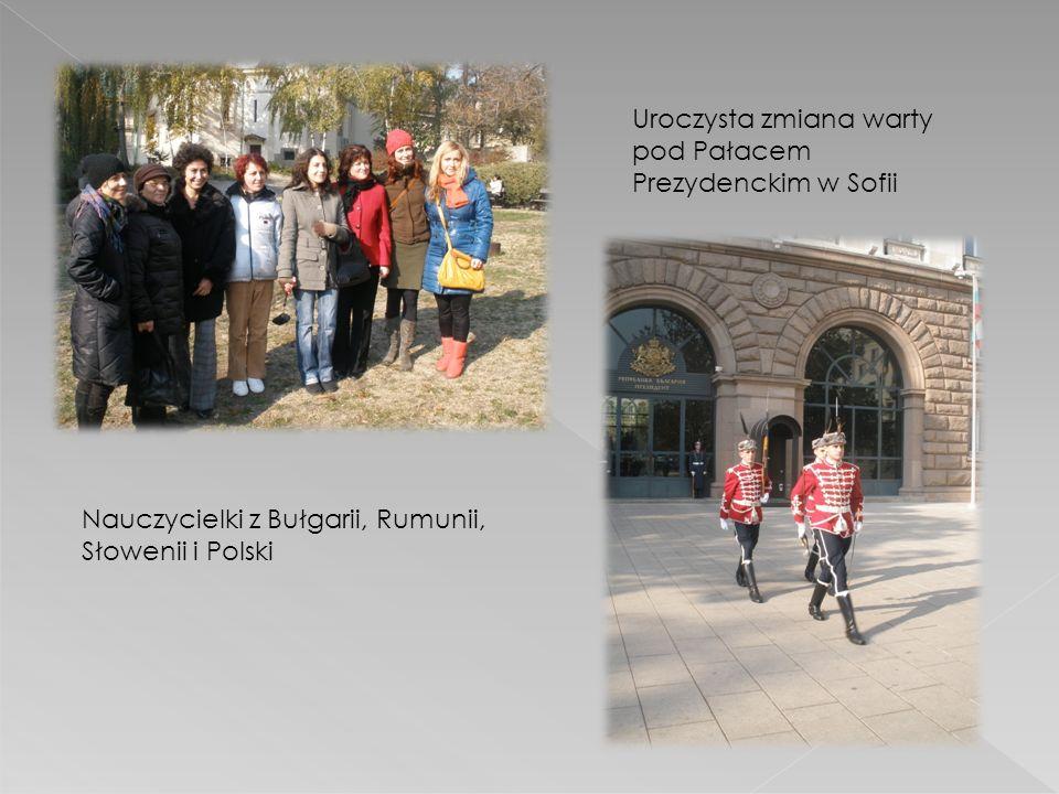 Uroczysta zmiana warty pod Pałacem Prezydenckim w Sofii