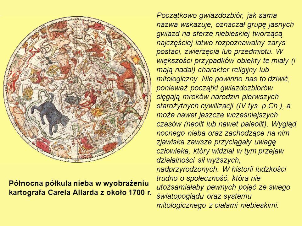 Początkowo gwiazdozbiór, jak sama nazwa wskazuje, oznaczał grupę jasnych gwiazd na sferze niebieskiej tworzącą najczęściej łatwo rozpoznawalny zarys postaci, zwierzęcia lub przedmiotu. W większości przypadków obiekty te miały (i mają nadal) charakter religijny lub mitologiczny. Nie powinno nas to dziwić, ponieważ początki gwiazdozbiorów sięgają mroków narodzin pierwszych starożytnych cywilizacji (IV tys. p.Ch.), a może nawet jeszcze wcześniejszych czasów (neolit lub nawet paleolit). Wygląd nocnego nieba oraz zachodzące na nim zjawiska zawsze przyciągały uwagę człowieka, który widział w tym przejaw działalności sił wyższych, nadprzyrodzonych. W historii ludzkości trudno o społeczność, która nie utożsamiałaby pewnych pojęć ze swego światopoglądu oraz systemu mitologicznego z ciałami niebieskimi.