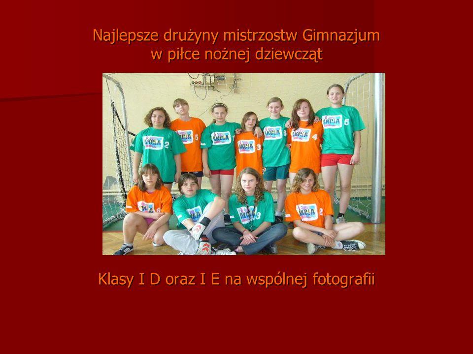 Najlepsze drużyny mistrzostw Gimnazjum w piłce nożnej dziewcząt