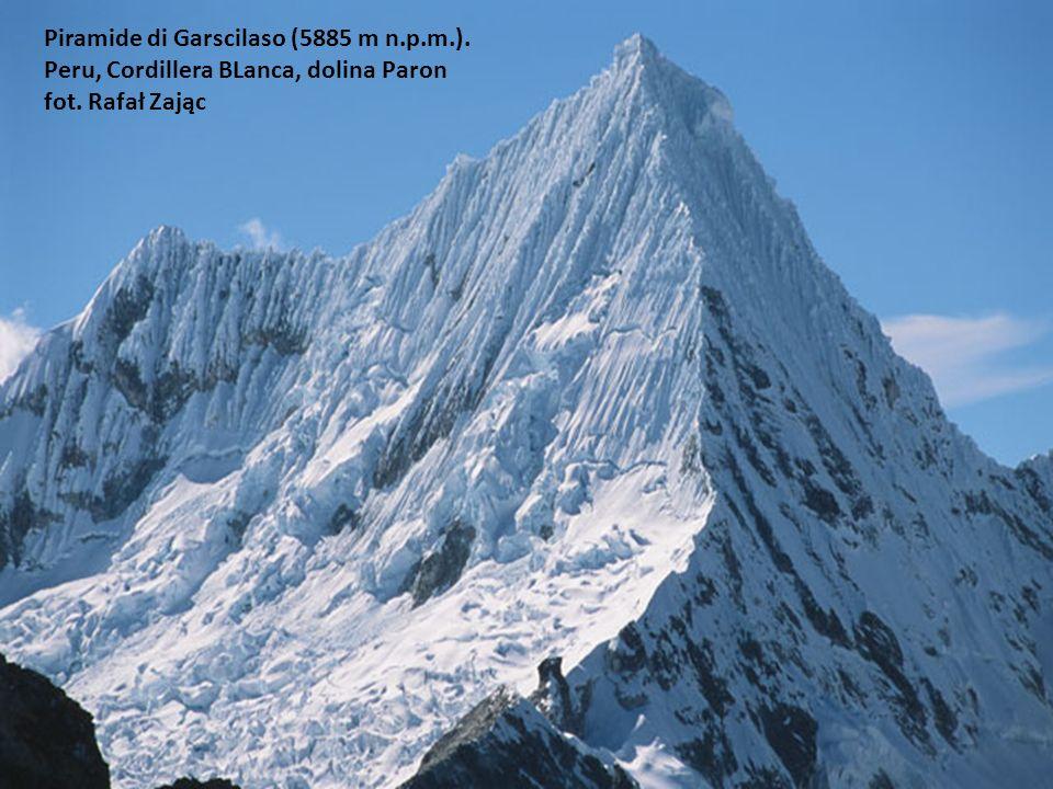 Piramide di Garscilaso (5885 m n. p. m. )