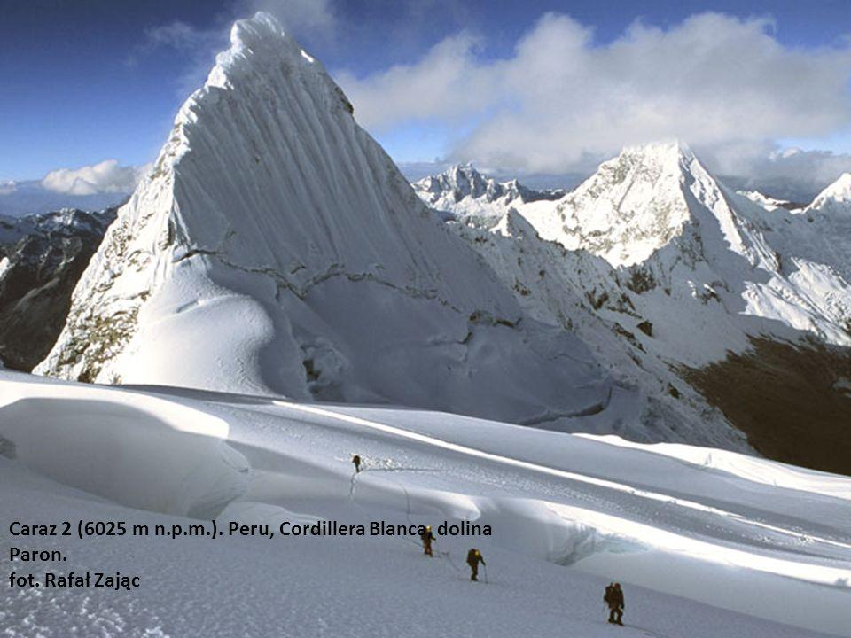 Caraz 2 (6025 m n. p. m. ). Peru, Cordillera Blanca, dolina Paron. fot